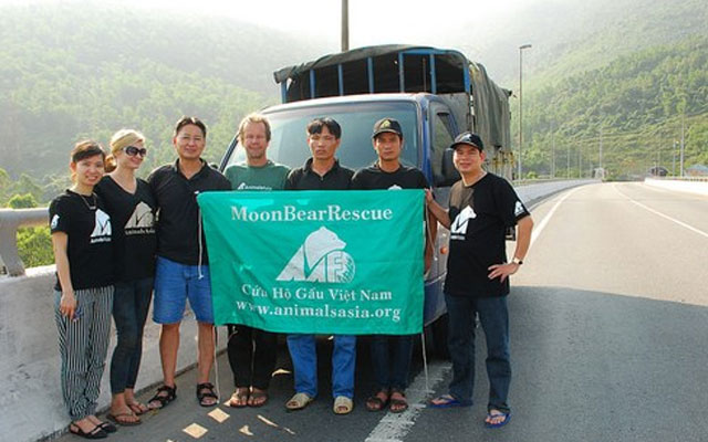 moonbearrescue-y-Animals-Asia