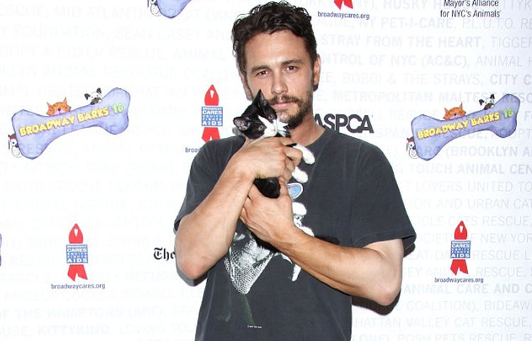 james-franco-ayuda-animales